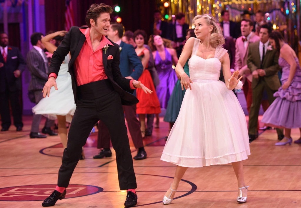 GIF-Reactions-Grease-Live-2016