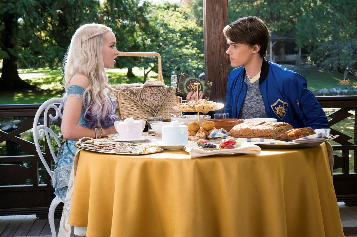 descendants 2 recenzja
